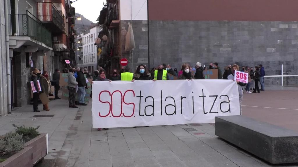"""Amasa-Villabonako ostalariek manifestazioa burutu dute """"SOStalaritza""""  lelopean"""