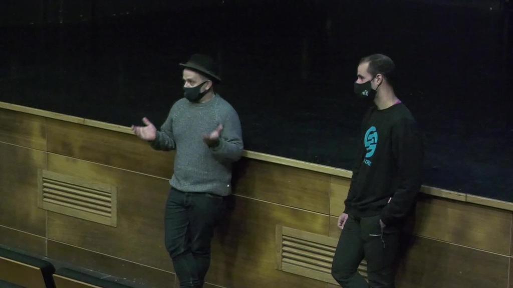 """""""Bi urte, lau hilabete eta egun bat"""" dokumentala ikusteko aukera izan dute Anoetan"""