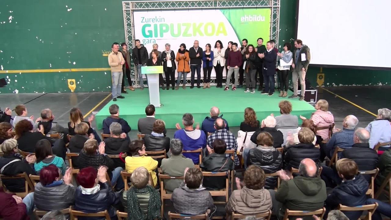 Hauteskunde kanpainako ekitaldi nagusia egin du EH Bilduk Azpeitin