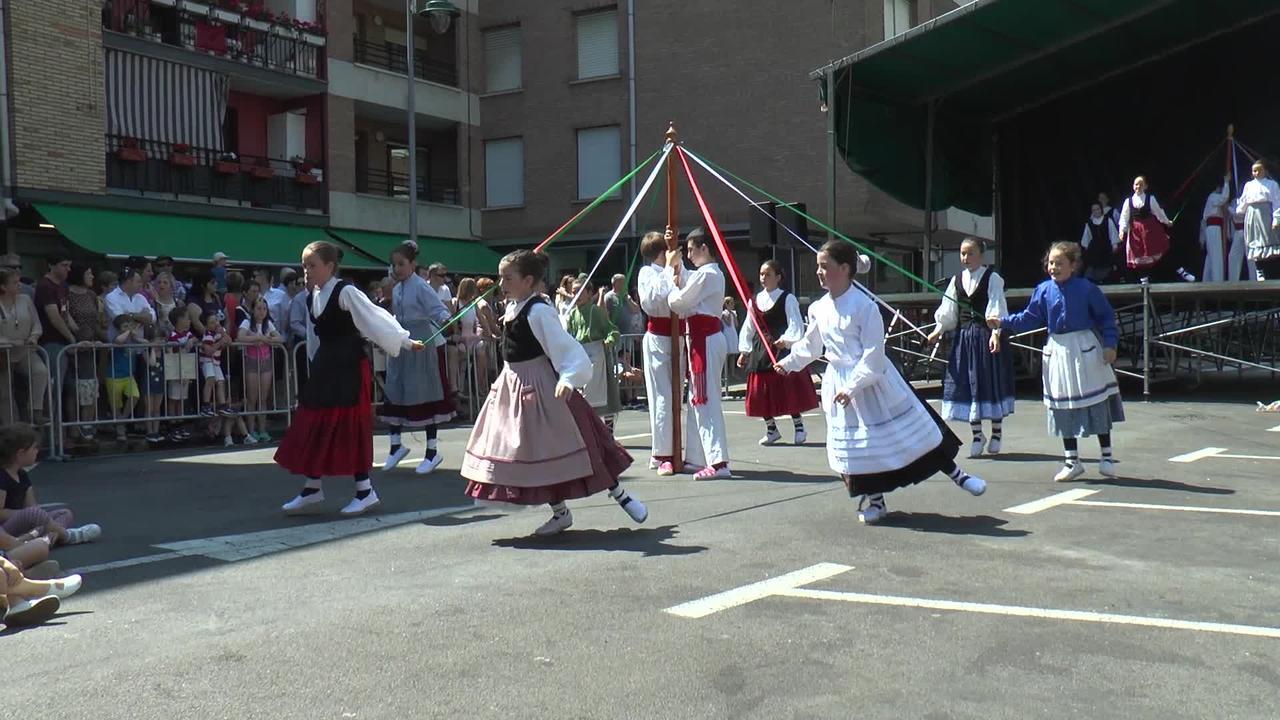 Dantzari Txikiak Azpeitiko Sanjuandegi auzoko festetan