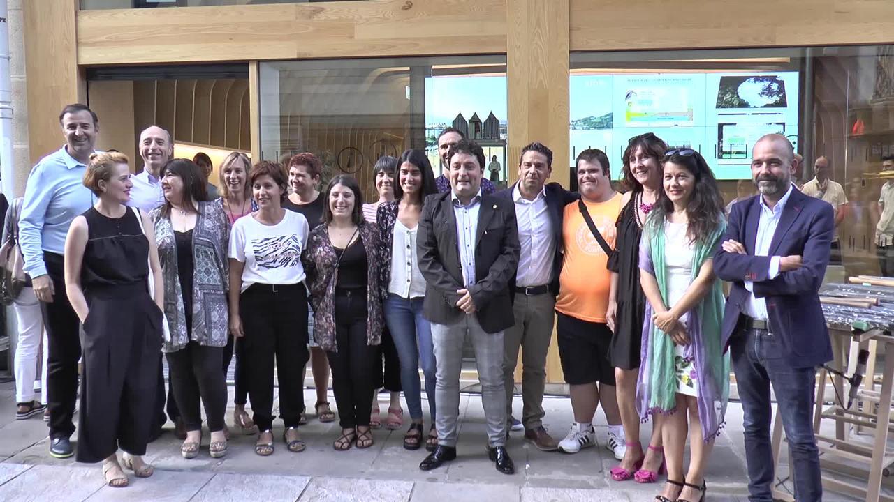 Turismo bulego berria inauguratu dute
