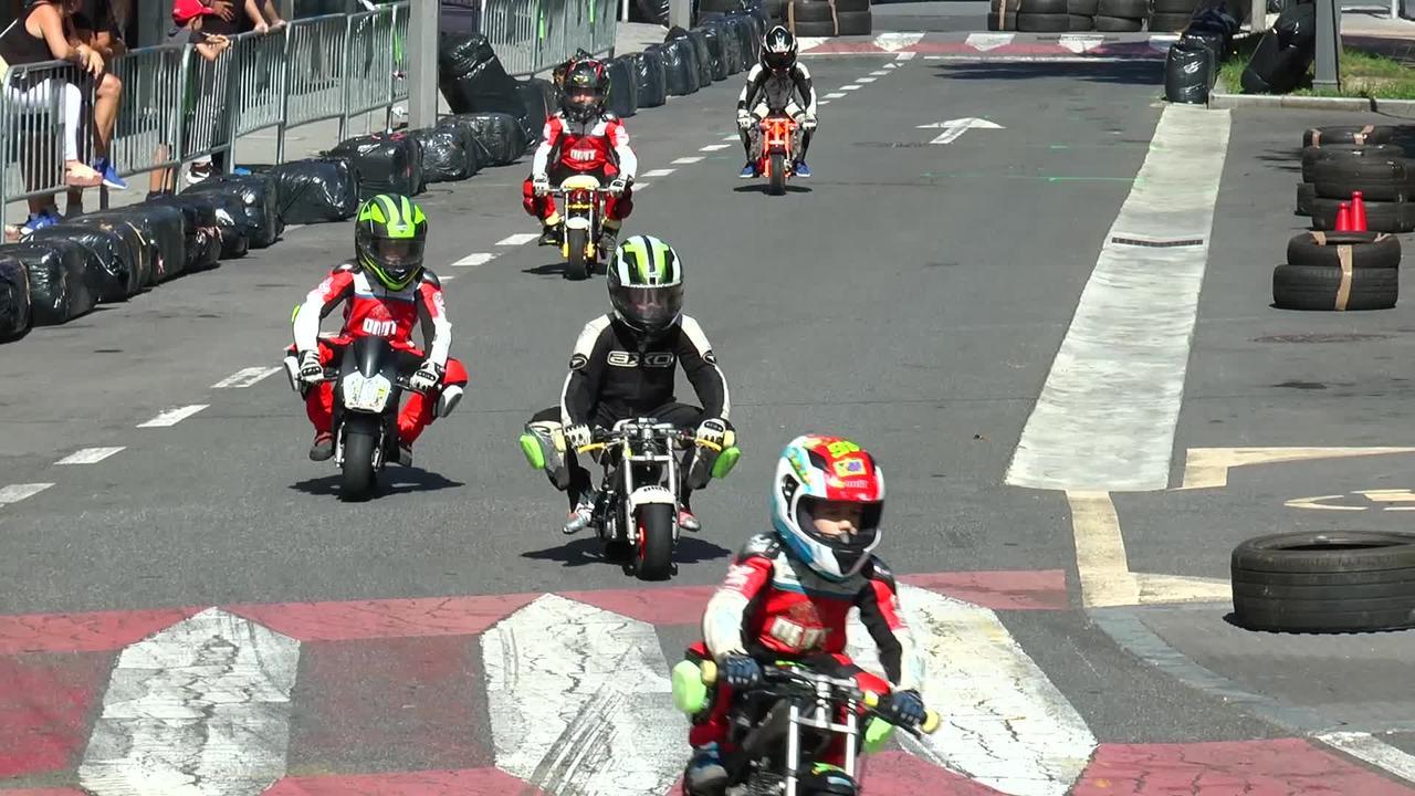 Karting eta minimotard erakustaldia