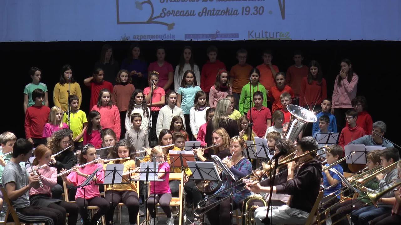 Juan Antxieta musika eskolaren jaialdia