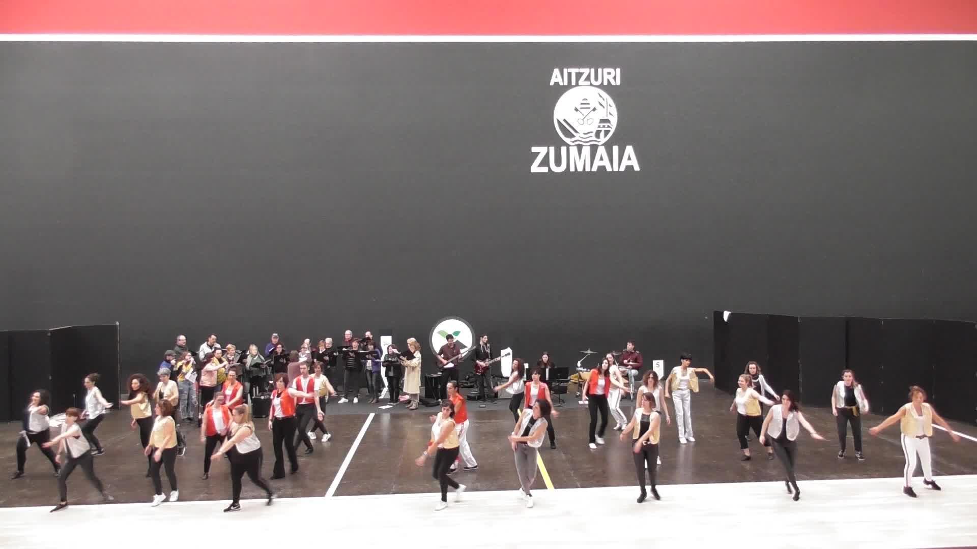 Larunbat honetan, Queen talde mitikoaren omenezko  dantza eta musika emanaldia izango da Aitzuri frontoian