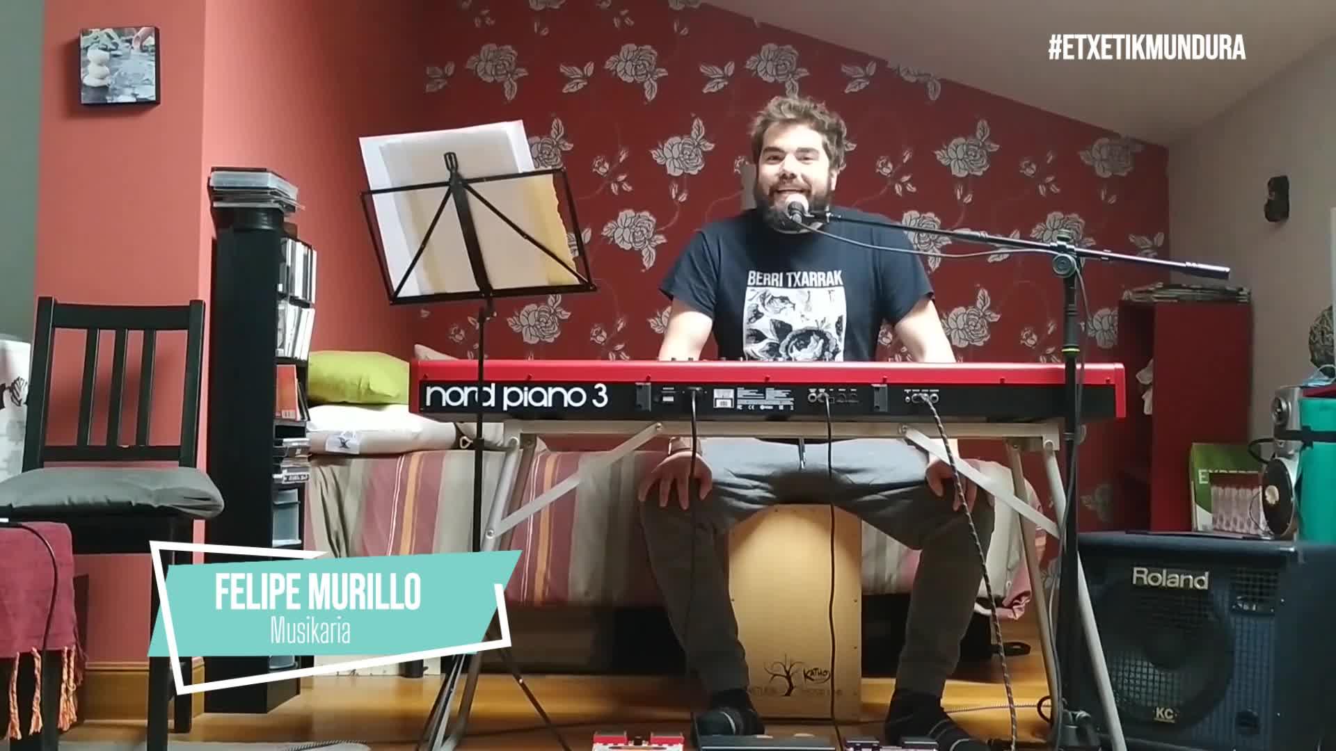 Felipe Murillo musikaria, etxetik mundura