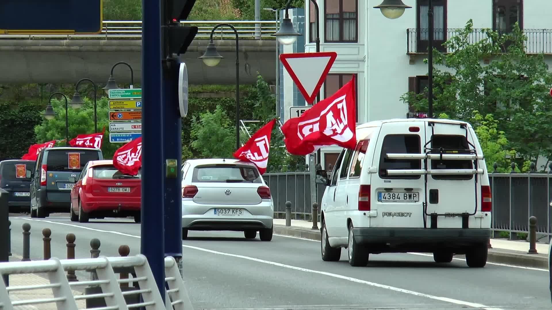 Langileen eskubideen alde, LAB sindikatuak   auto karabana egin du goizean