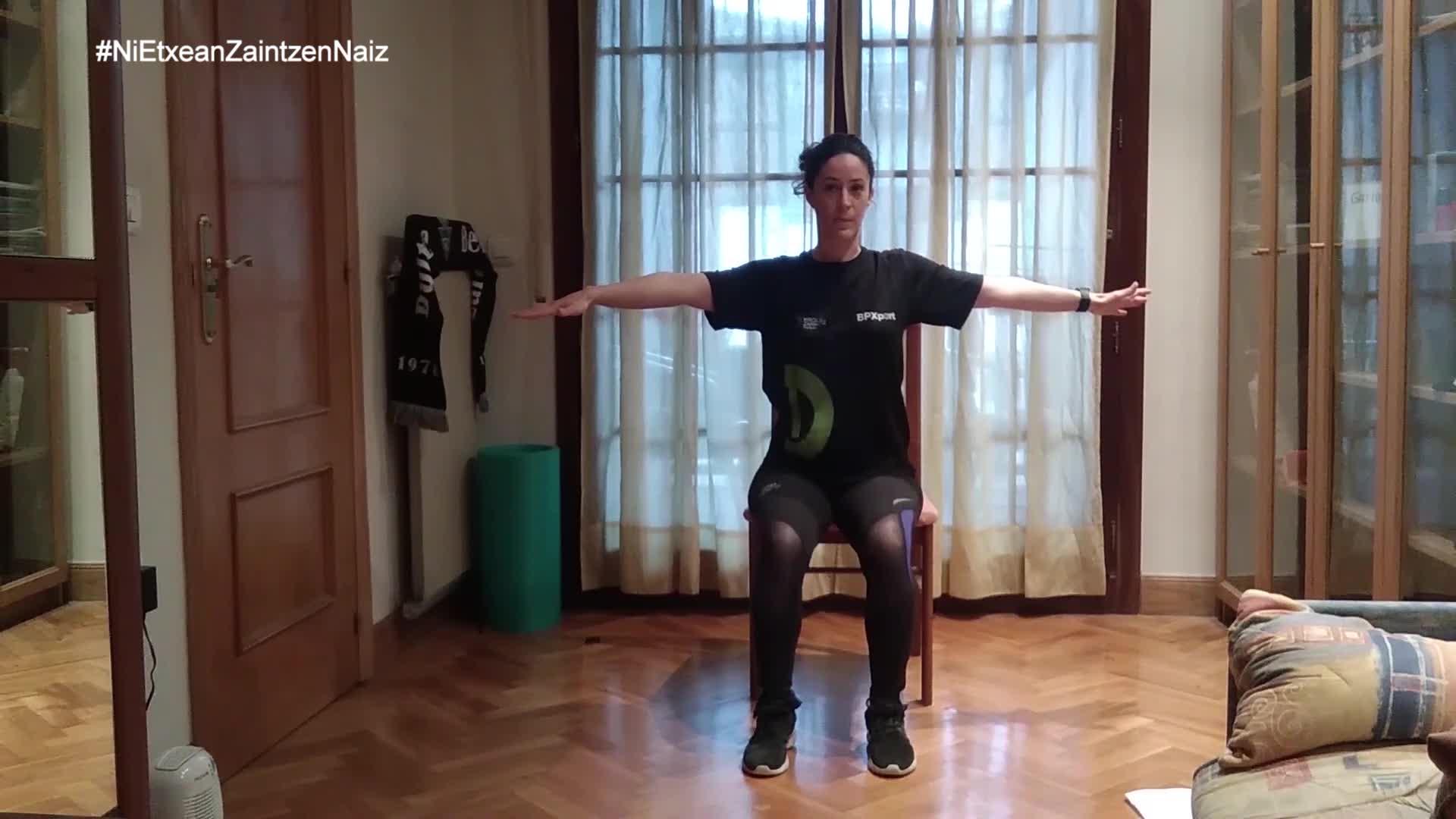 #NiEtxeanZaintzenNaiz: Zarauzko kiroldegiko begiraleek adinekoentzat prestatutako 28. saioa