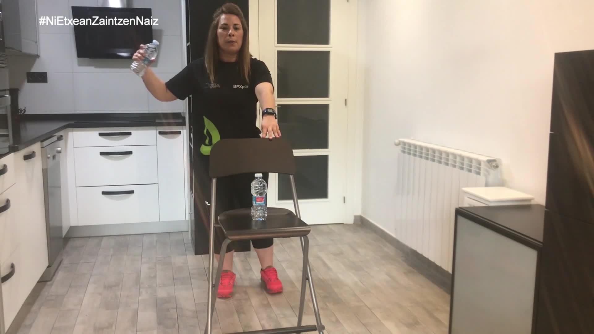 #NiEtxeanZaintzenNaiz: Zarauzko kiroldegiko begiraleen ADINEKOEN 35. saioa