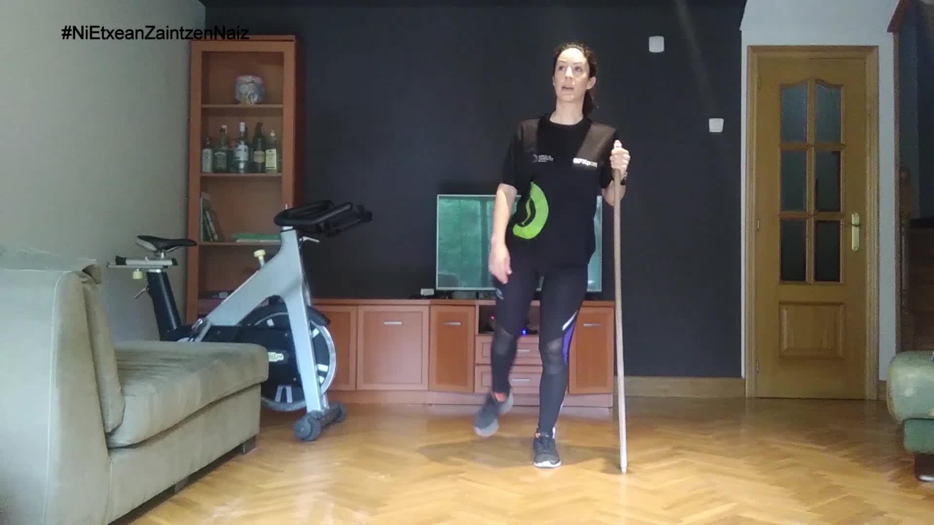 #NiEtxeanZaintzenNaiz: Zarauzko kiroldegiko begiraleen adinekoen 37. saioa