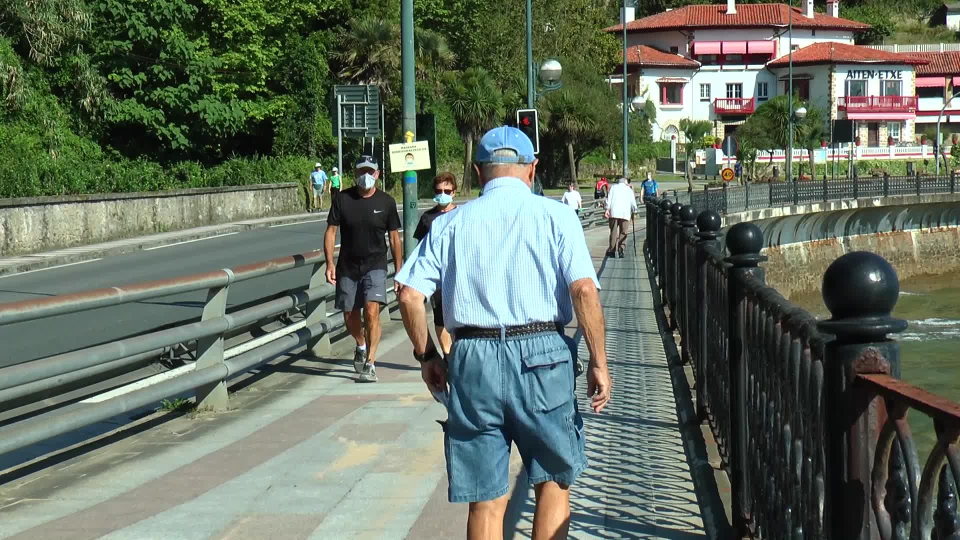 Zabalik da Zarautz eta Getaria arteko pasealekua
