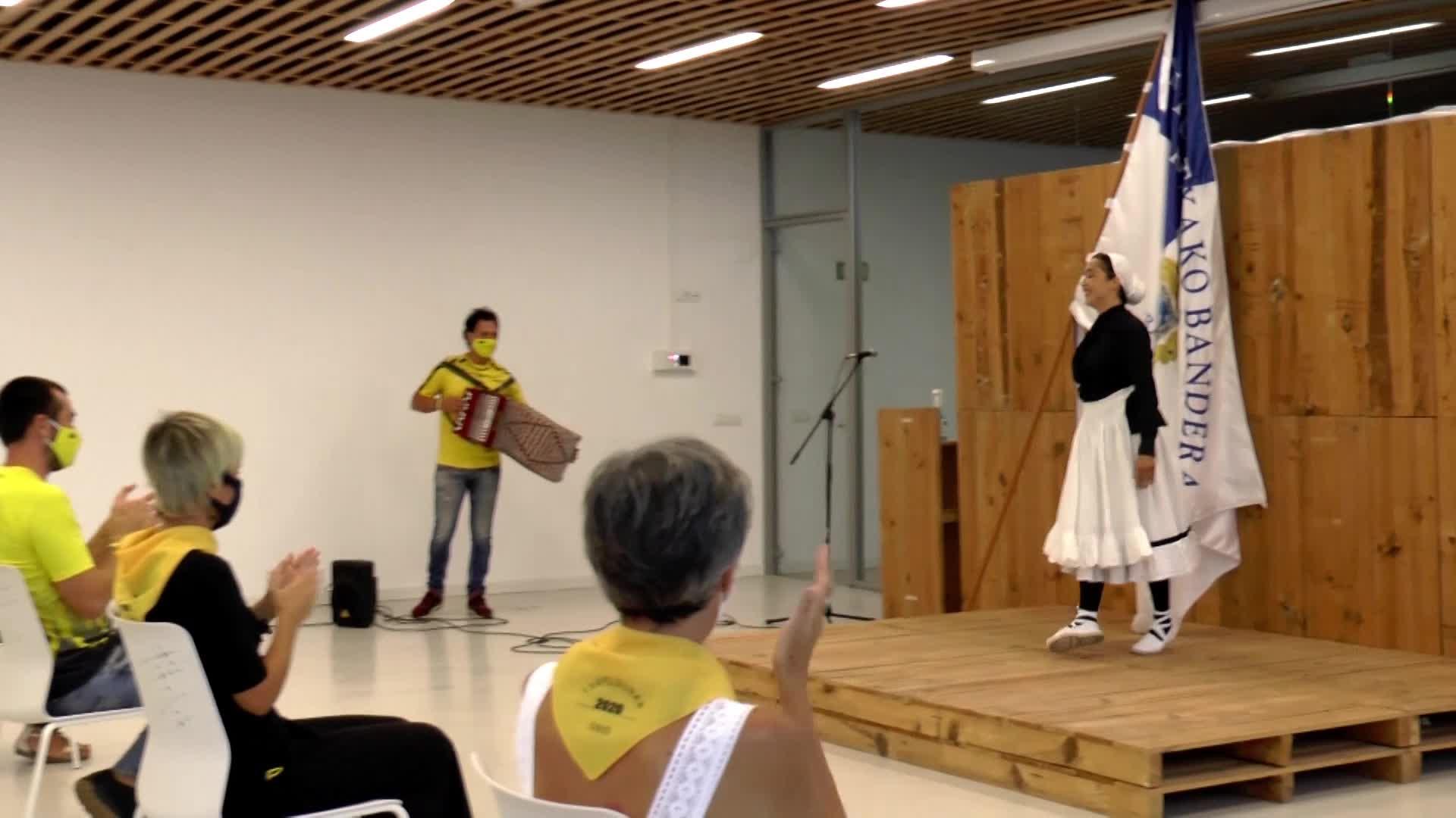 Orioko emakumezkoen traineruak omenaldia jaso zuen atzo udalaren eskutik