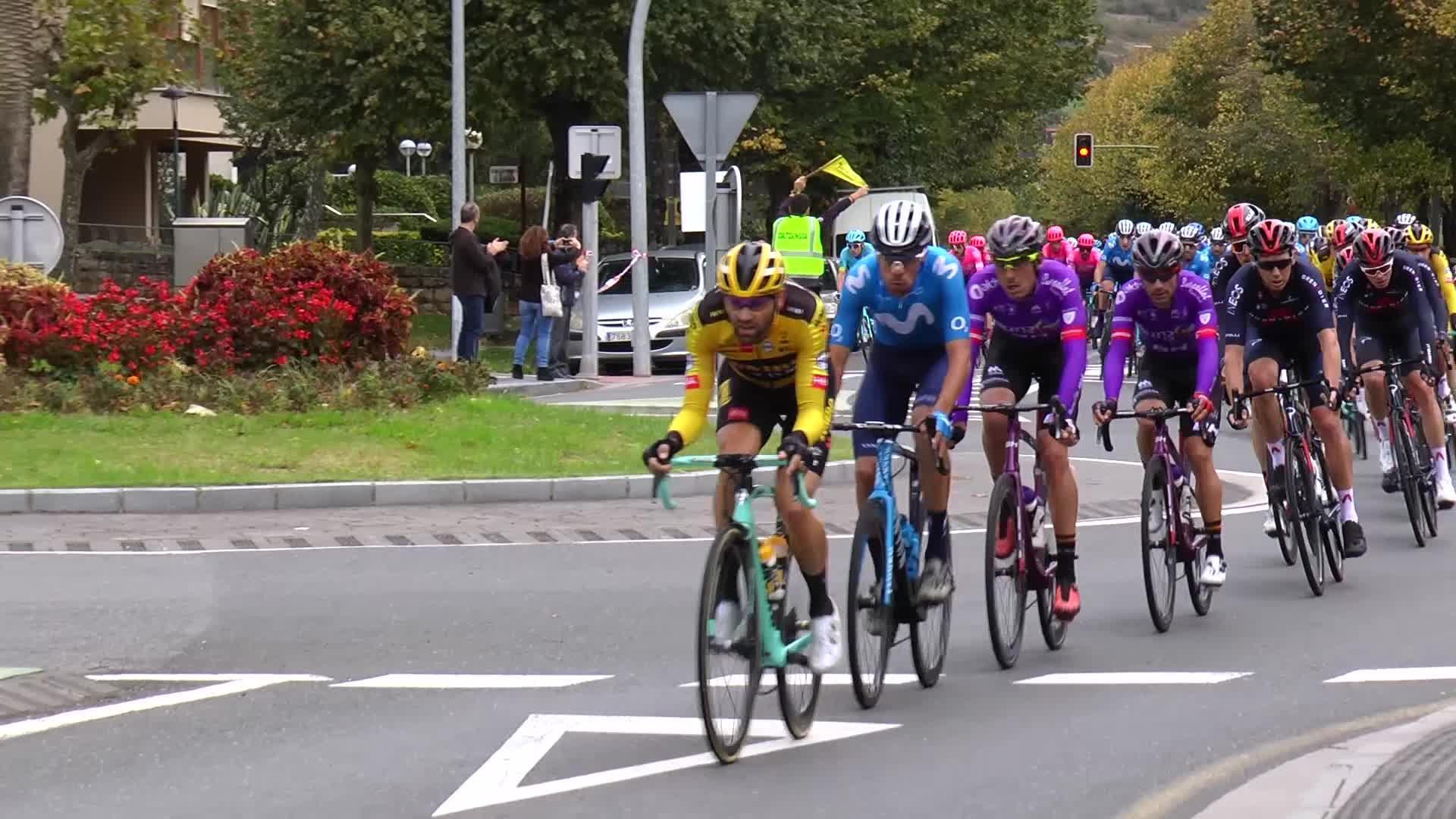 Espainiako itzuliko lehen etapa eskualdetik igaro da