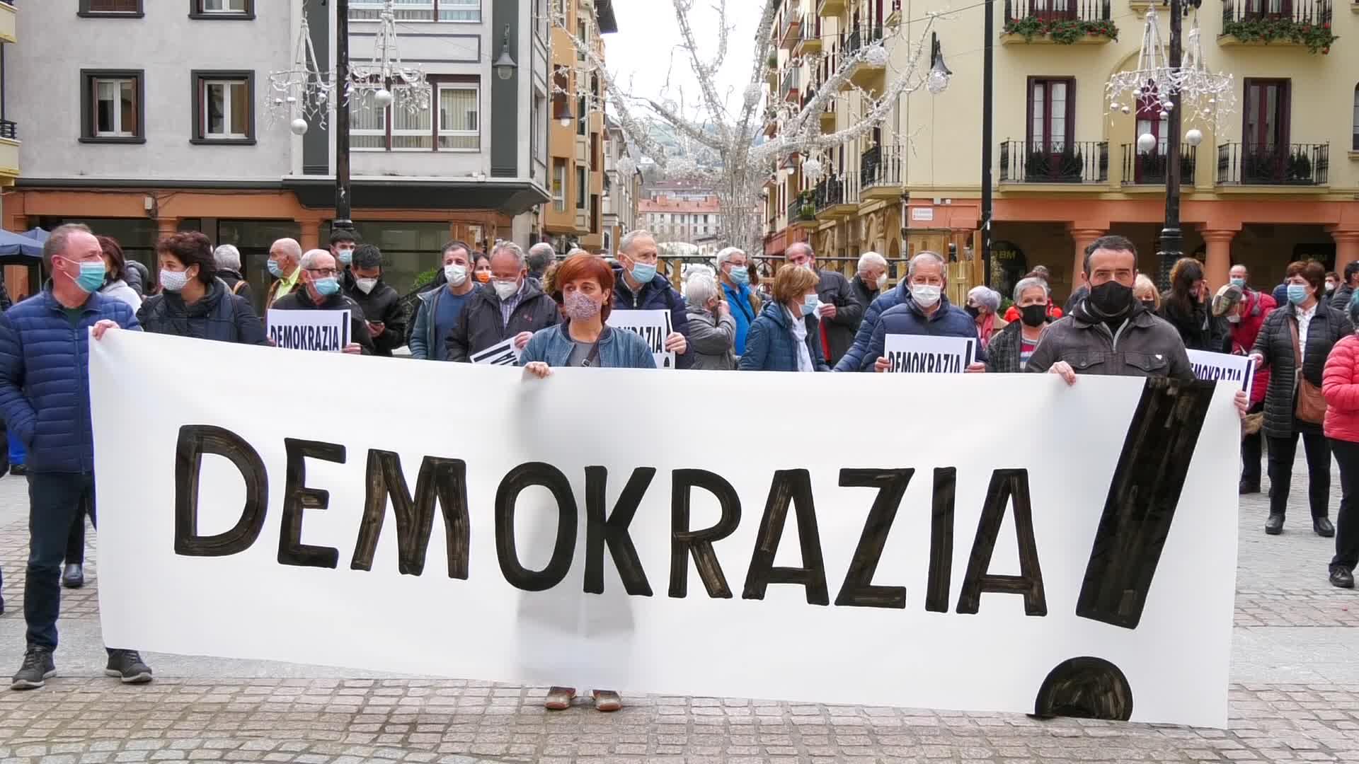 'Bateragune auzia' errepikatzearen aurka, protestara jo dute Urola Kostan ere