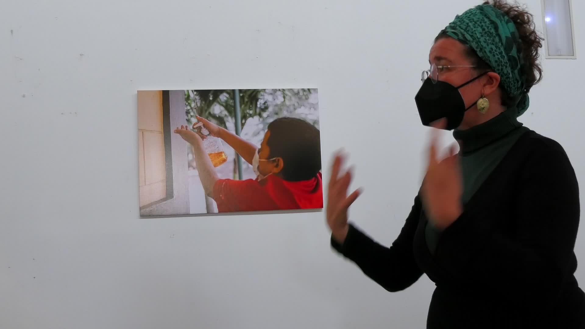 'Zubiak Eraikiz' erakusketa zabaldu dute Zarauzko Merkatu Plazan