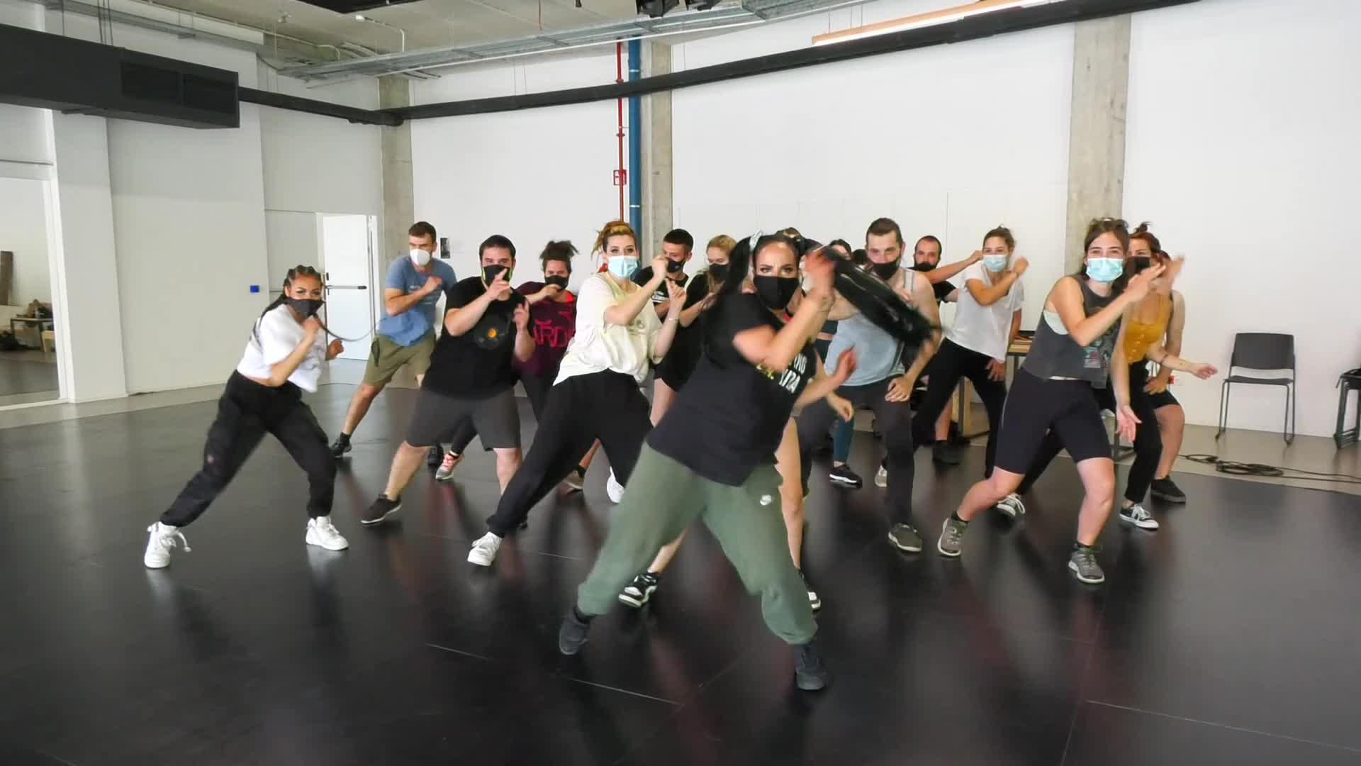 Dancehall ikastaroa eskaini dute Dinamoan