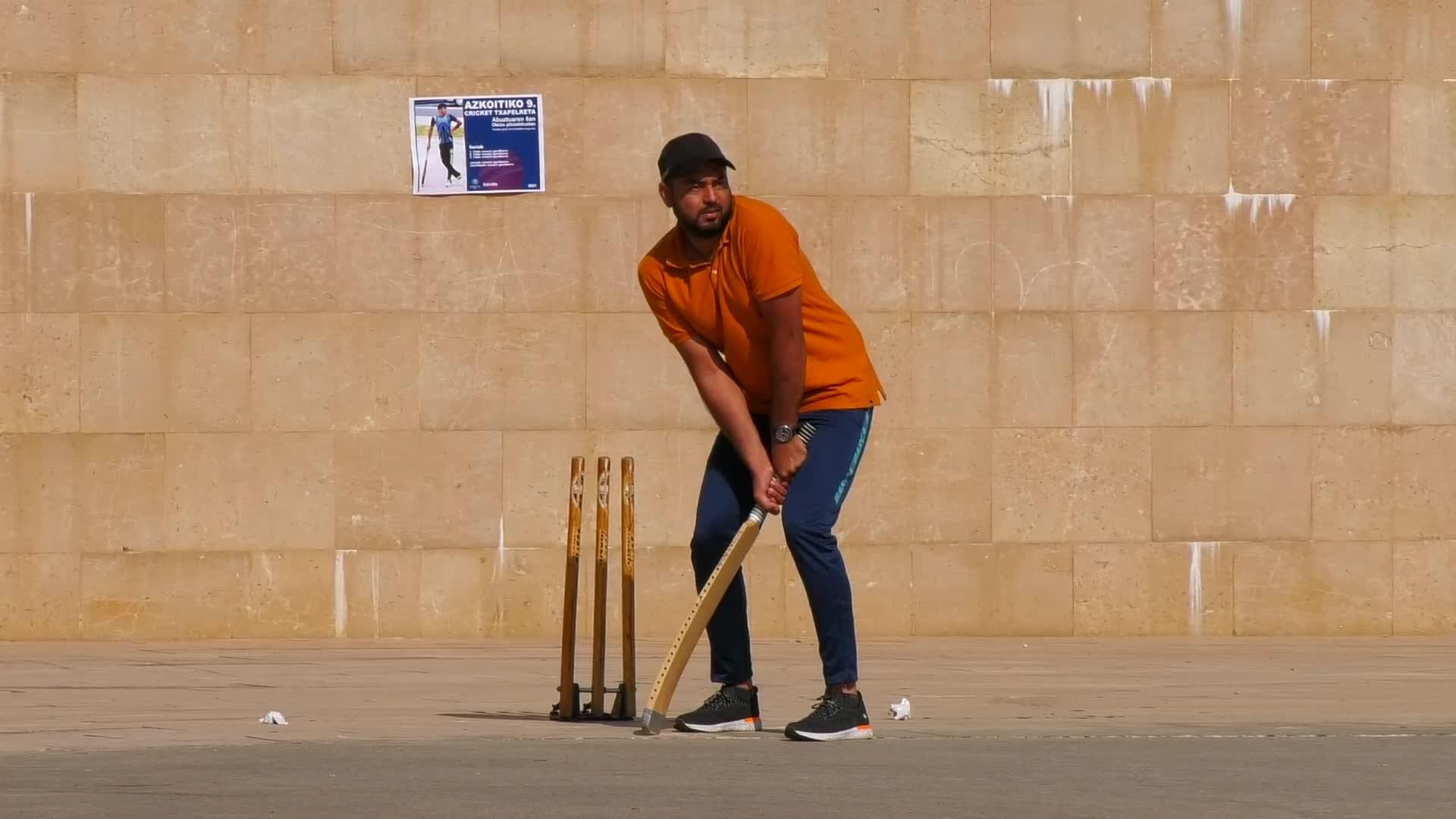 Azkoitiko IX. Kriket Txapelketa jokatu da Oteiza pilotalekuetan
